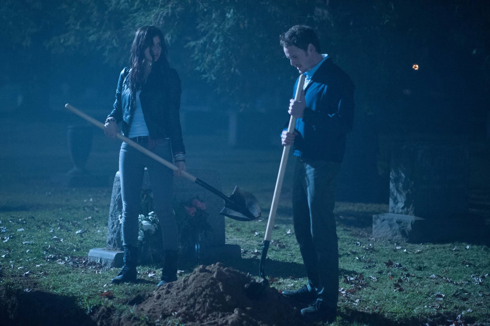 Crítica / MOTELx | Burying the Ex (2014)